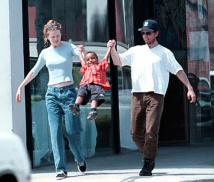 CELEBRITY ADOPTION -FILE PICTURE: Tome Cruse and ex wife Nicole Kidman with adopted son Connor